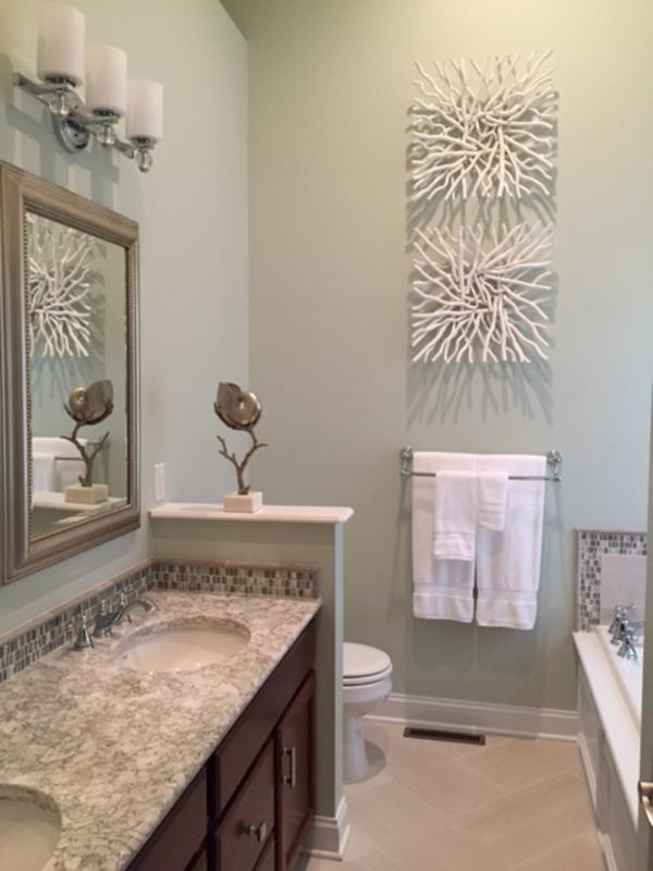 Master Ensuite Draws the Outside In